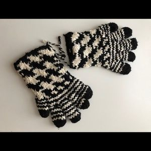 Gloves hand made in Pakistan